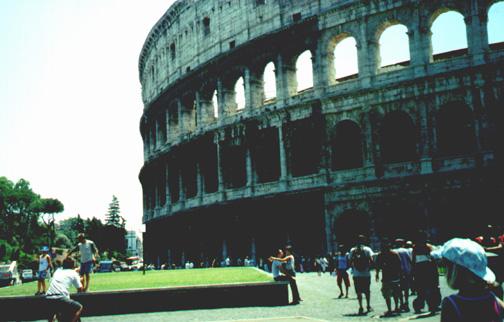 The Colosseo (Colosseum).