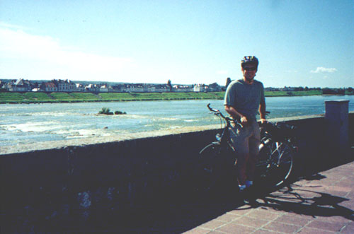 Brian Kleinman biking to Cheverny