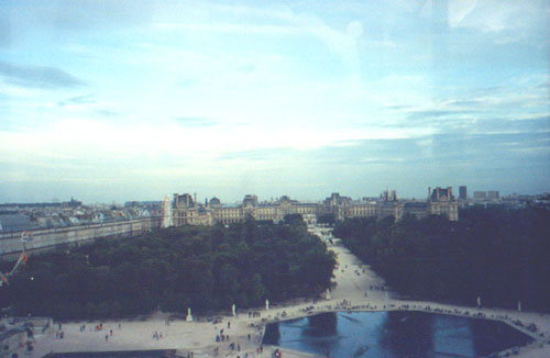 View of the Lourve from the Ferris Wheel