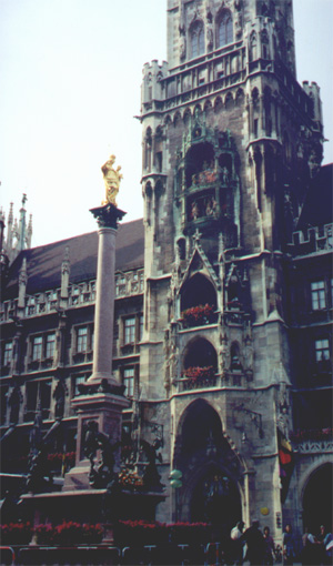 The Glockenspiel in the Neues Rathaus (New Town Hall), Munich.