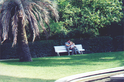 One of the many make-out couples we saw during the trip, this time in Real Jardin Botánico