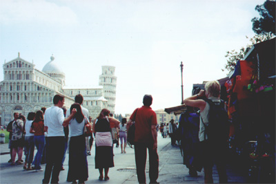 The crowd surrounding the Pisa monuments